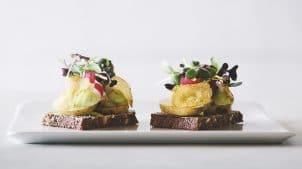 Aamanns er kendt for smørrebrød og andre retter. Køb og bestil mad med: kartofel